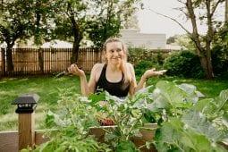 pruning vegetable plants