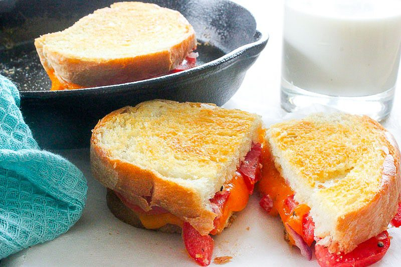 grilled cheese tomato onion