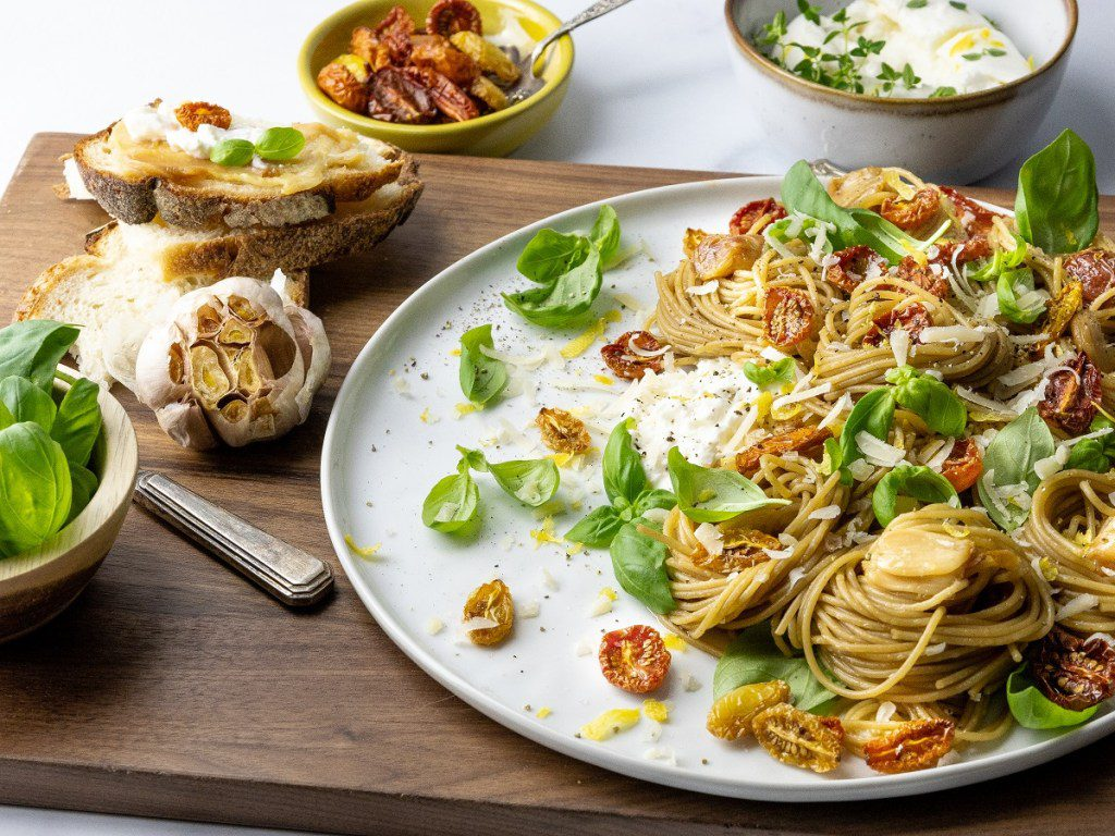 oven roasted tomato garlic pasta